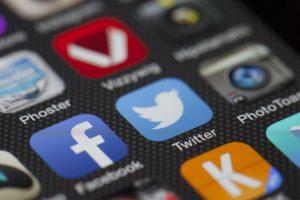 Facebook、Twitterなどでは、「ペアーズは出会える」と評判