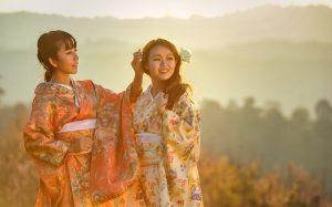 はじめてのマッチング相手は、和服が似合いそうな大人びたタイプの和風美女